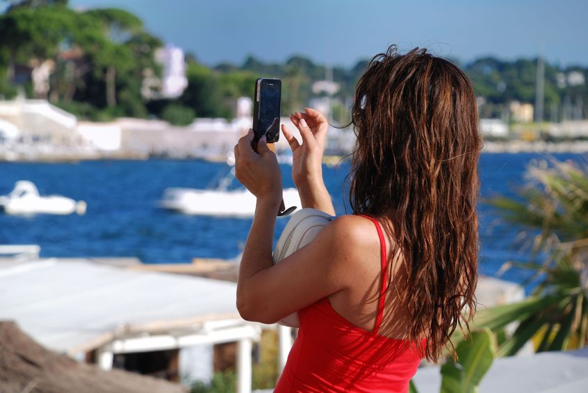 smartphone-use-on-vacation