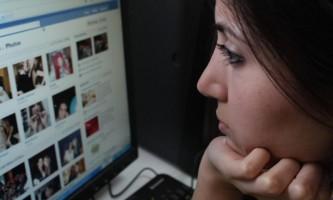 fake-facebook-accounts